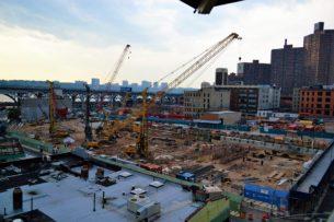 Přes deset let Jeremiah Moss dokumetuje a popisuje změny, které v NYC probíhají v důsledku procesu gentrifikace. Kultovní blog psaný z pohledu obhájce původního charakteru města zastupuje jednu zpoloh uvažování o tomto fenoménu.